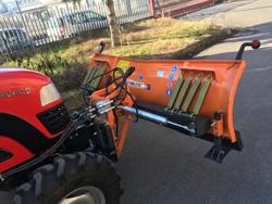 frontal sne blad med universel plade til traktor ln 200 a