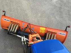 frontal sne blad med universel plade til traktor ln 220 a