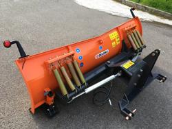 frontal sne blad med 3 punkt fæste til traktor ln 220 c