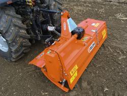 middels tung jordfræser for traktorer arbejdsbredde 150cm manuel sideforskydning mod dfm 150