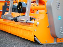 slagleklipper med justerbar sideforskydning for traktorer med 60 90hk mod rino 180