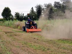 slagleklipper betepudser med justerbar sideforskyvning til traktorer med 50 90hk tigre 180