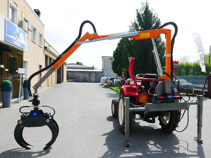 hydraulisk-skovkran-med-skovklo-for-montering-på-traktor-crab-3000
