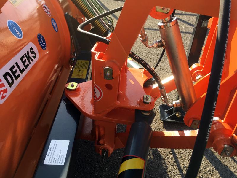 frontal-sne-blad-med-universel-plade-til-traktor-ln-200-a