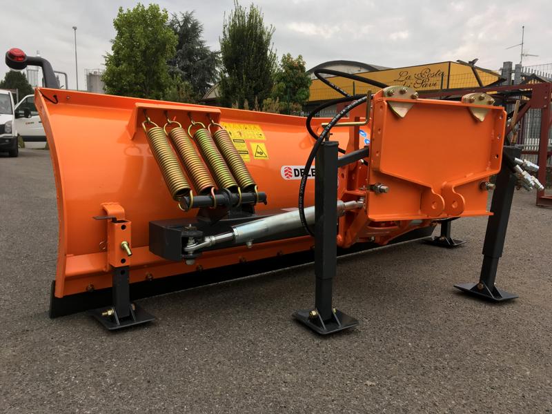 frontal-sne-blad-med-universel-plade-til-traktor-ln-220-a