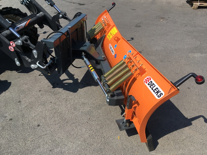 sneblad-til-traktorer-med-front-læsser-ln-220-e