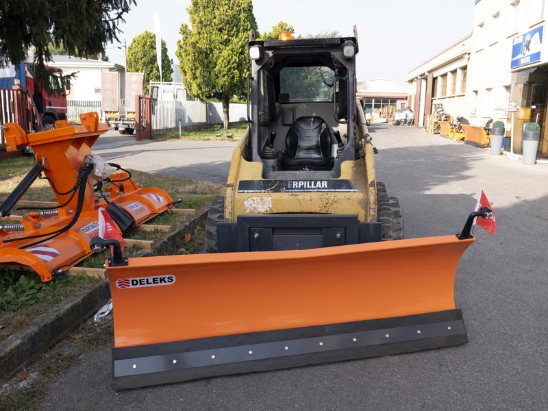 middels-tungt-sneblad-til-kompakt-lastere-op-til-3-tonn-ln-175-m