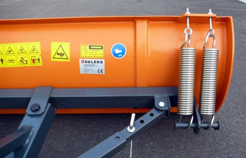 læt-sneblad-med-3-punkts-fæste-til-traktor-lns-170-c