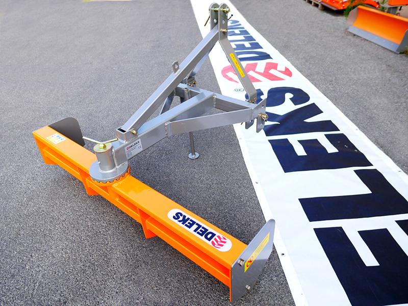 vejskrabe-130cm-for-montering-bagud-på-traktor-mod-dl-130