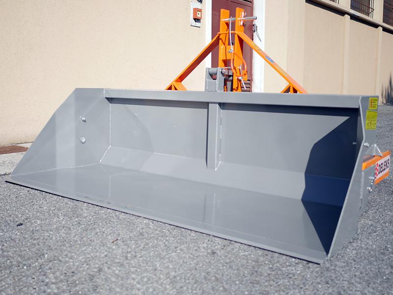 manual-transport-skovl-med-dump-for-traktor-prm-160-h