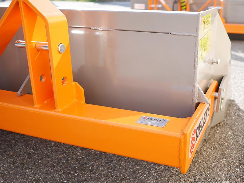manual-transport-skovl-med-dump-for-traktor-prm-180-h