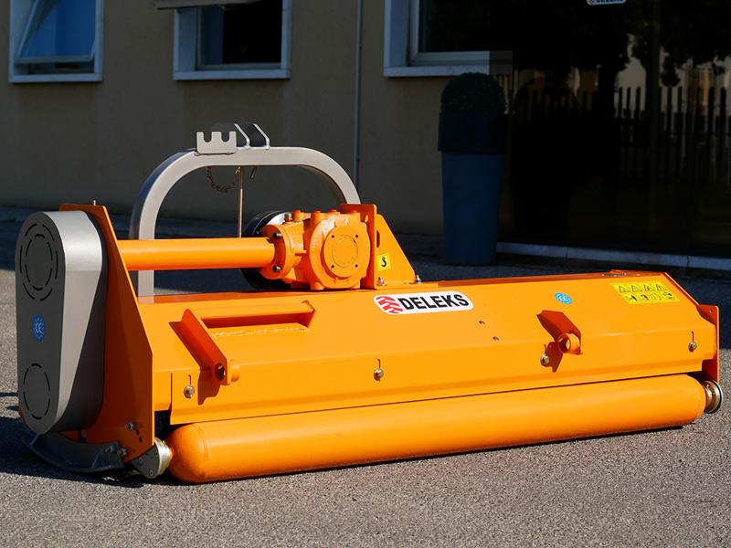 slagleklipperen-180cm-med-justerbar-sideforskyvning-til-traktorer-med-40-70hk-puma-180