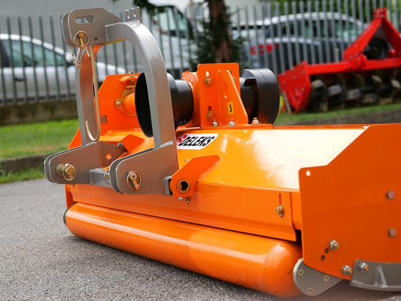 slagleklipper-til-traktorer-med-reversibel-montering-som-carraro-bcs-medium-series-160-cm-arbejdsbredde-mod-puma-160-rev