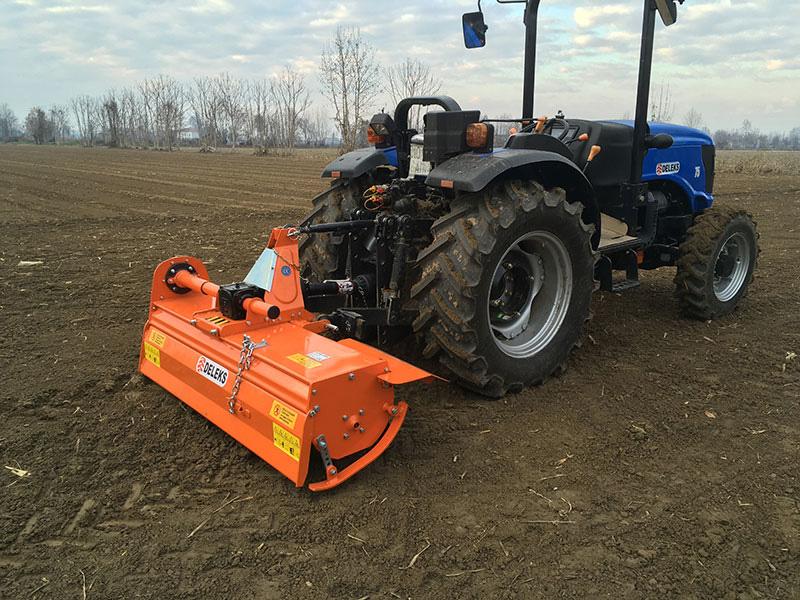middels-tung-jordfræser-for-traktorer-arbejdsbredde-150cm-manuel-sideforskydning-mod-dfm-150