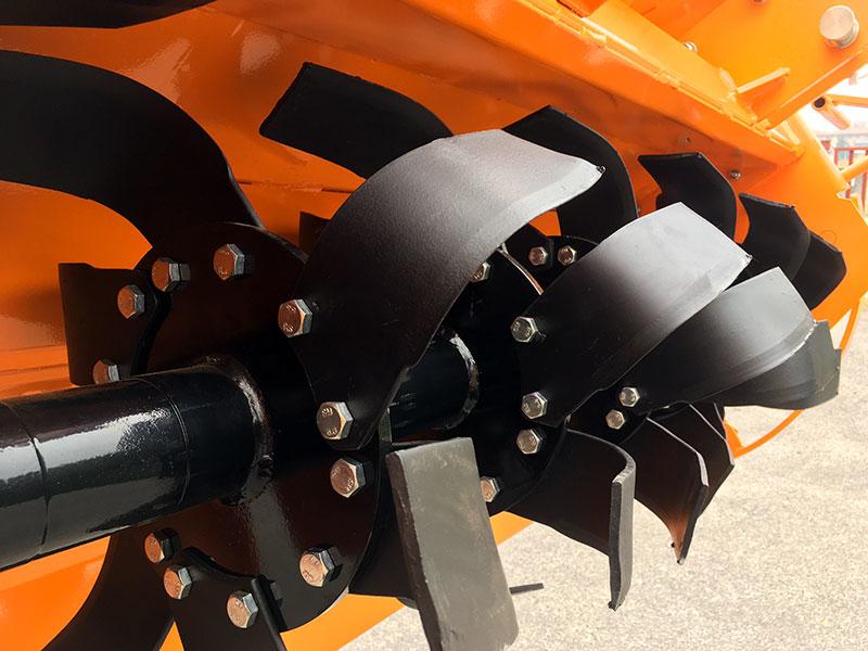 tung-jordfræser-for-traktorer-hydraulisk-sideforskydning-dfh-idr-135