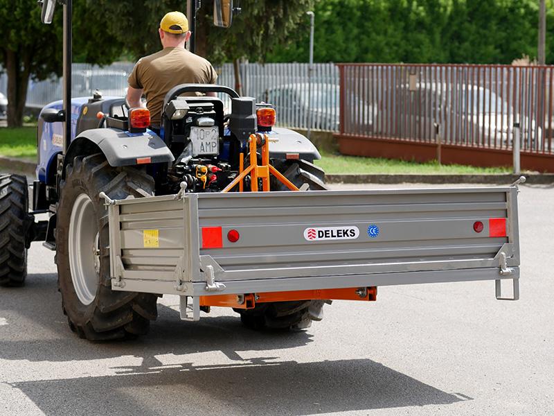 transportkasse-til-traktor-t-2000