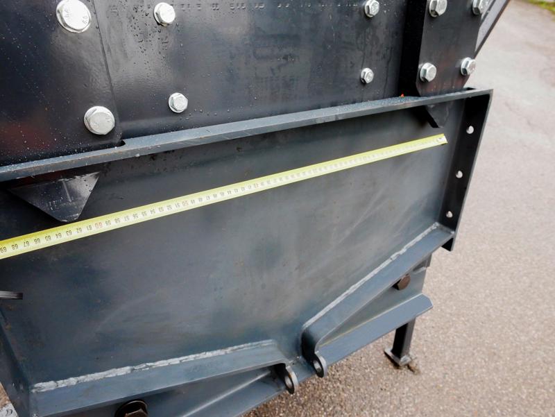 tungt-sneblad-til-traktor-med-universel-plade-ssh-04-2-6-a