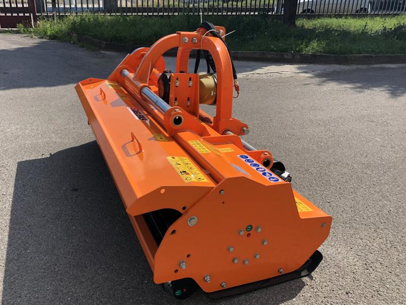 slagleklipperen-betepusder-med-justerbar-sideforskydning-for-traktorer-toro-240