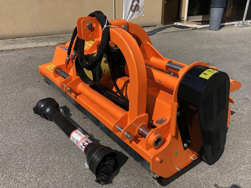 slagleklipperen-betepusder-med-justerbar-sideforskydning-for-traktorer-toro-190