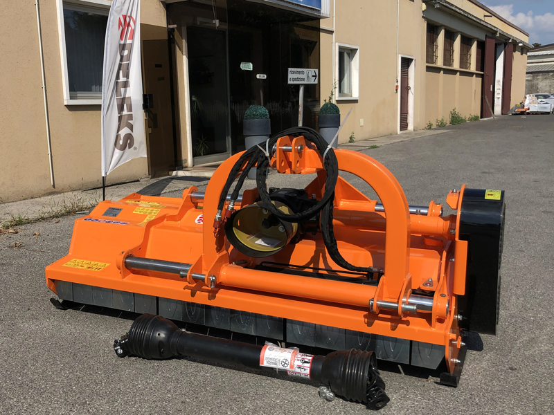 slagleklipperen-betepusder-med-justerbar-sideforskydning-for-traktorer-toro-200
