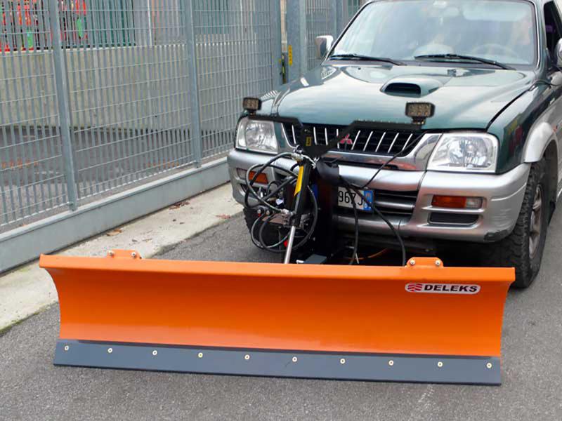 snebladet-til-jeep-pick-up-terrængående-køretøjer-lns-210-j